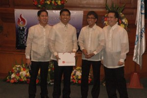 lloyd luna with Makati Mayor Junjun Binay 300x199 Inspiring young achievers in Makati City